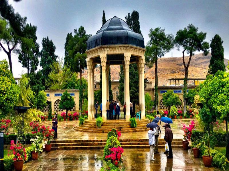 آرامگاه-خواجه-حافظ-شیرازی زیبا