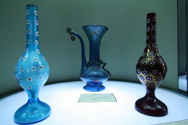 تاریخچه موزه شیشه و سرامیک تهران