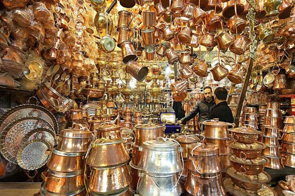 خرید در بازار بزرگ تهران ایران