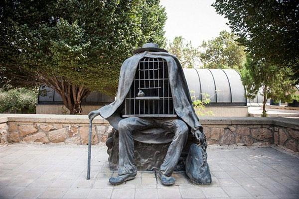در موزه هنرهای معاصر تهران چه باید کرد؟