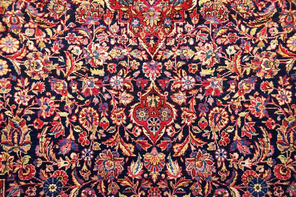 قالی بافی در ایران به چه صورت است