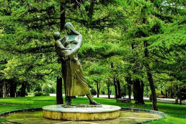 مجسمه های پارک ملت