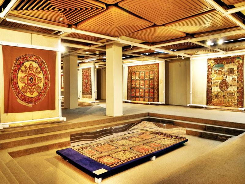 موزه فرش تهران الگوی زنده بی پایان