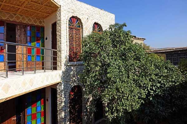 مکانهایی-جهت-اسکان-در-نزدیکی-مسجد-جامع-عتیق شیراز