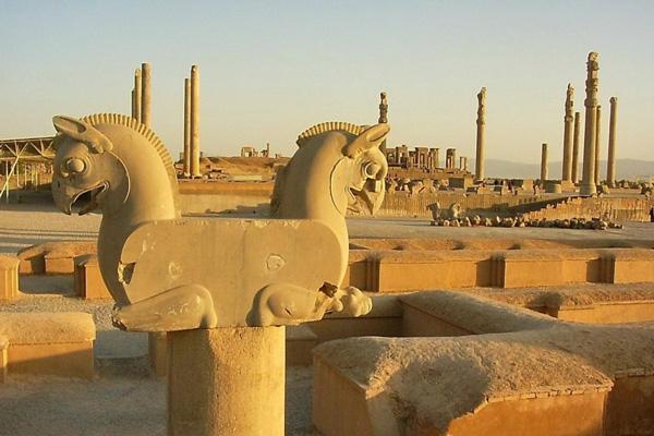 کاخ صد ستون شیراز