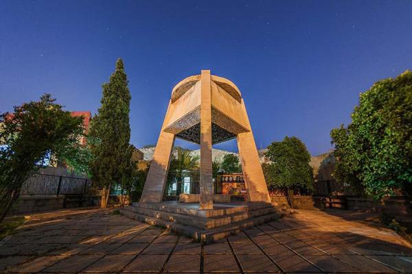 آدرس-آرامگاه-شاه-شجاع شیراز