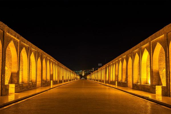 تاریخچه--سی-و-سه پل اصفهان