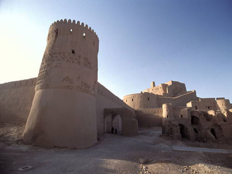تخت سلیمان یک معماری باستانی تمام عیار