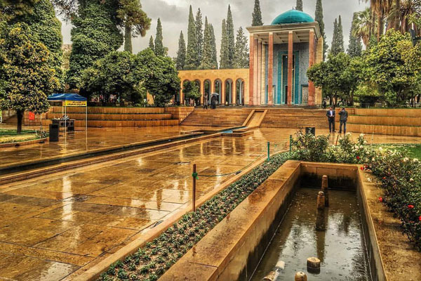 حوض ماهی اسرار امیز شیراز