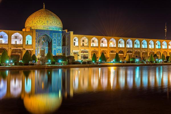 در-میذدان-نقش-جهان اصفهان-چه-باید-کرد