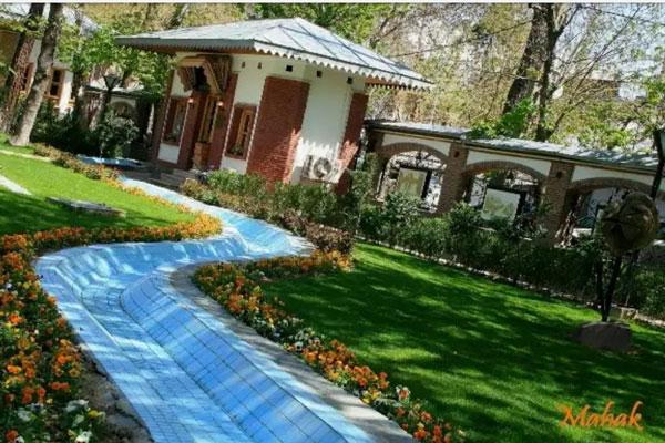بهترینرستوران های نزدیک به باغ موزه ایرانی به