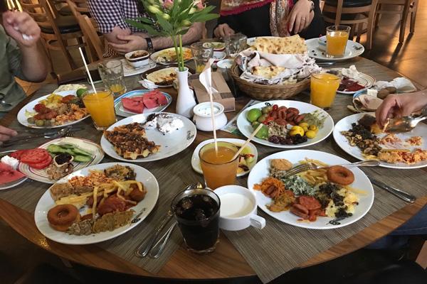 رستوران های نزدیک دروازه قران شیراز