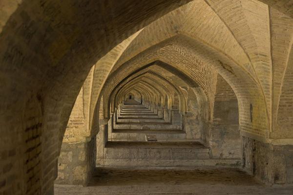 رستوران-های-نزدیک-سی-و-سه-پل اصفهان