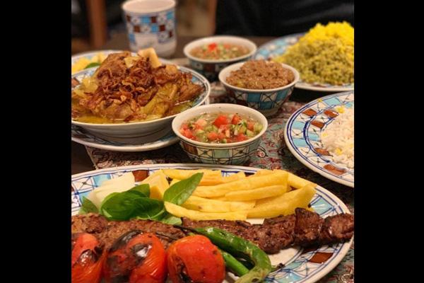 رستوران-های-نزدیک-عمارت-دیوان-خانه-قوام-ملکی شیراز
