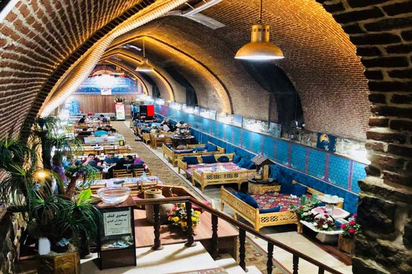 آشنایی با رستوران های نزدیک یخچال دوقوز پله