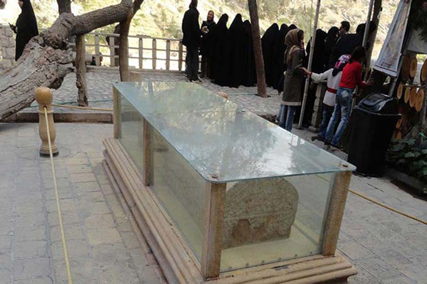 سه-غار-مشهور-نزدیک-آؤامگاه-خواجو کرمان شیراز