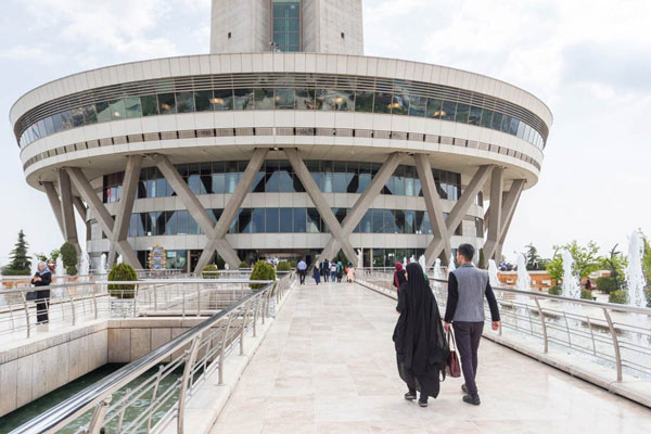 معماری برج میلاد تهران