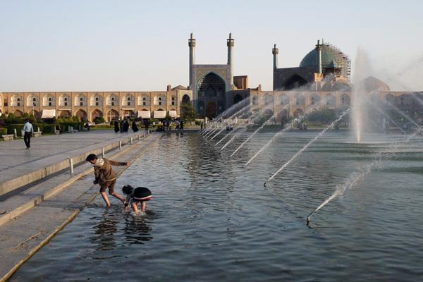موقعهیت-مکانی-میدان-نقش-جهان اصفهان
