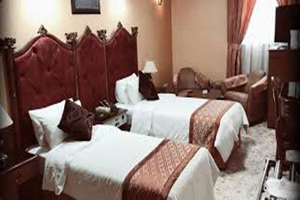 هتل-های-نزدیک-آرامگاه-شاه-شجاع شیراز
