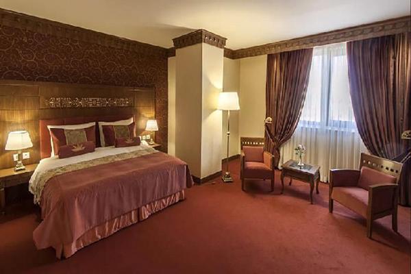 هتل-های-نزدیک-خانه-زینت-الملوک شیراز