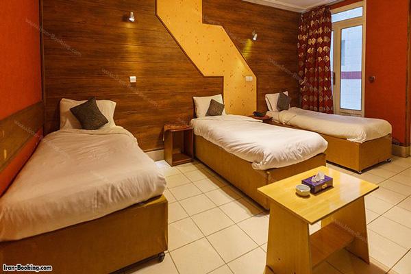 هتل-های-نزدیک-عمارت-دیوانخانه-قوام-ملکی شیراز