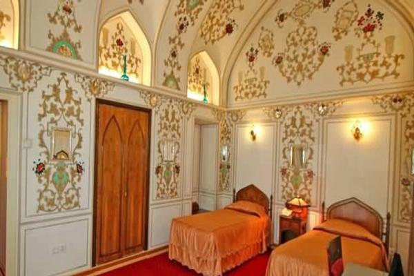 هتل-های-نزدیک-مسجد-امام اصفهان