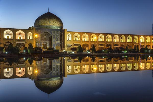 هتل-های-نزدیک-مسجد-شیخ-لطف-الله اصفهان