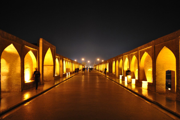 ویژگی-های-شگفت-انگیز-پل-خواجو اصفهان