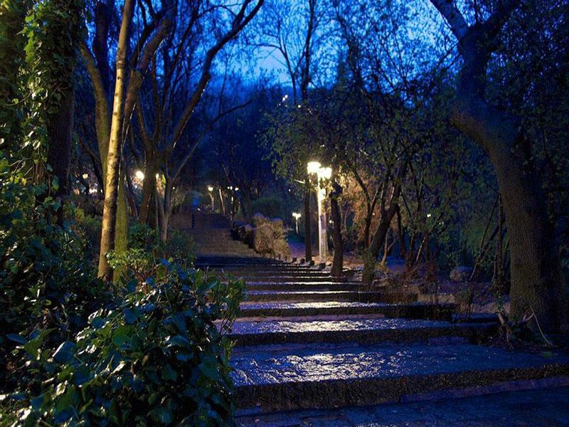 پارک سنگی جمشیدیه بوستانی زیبا