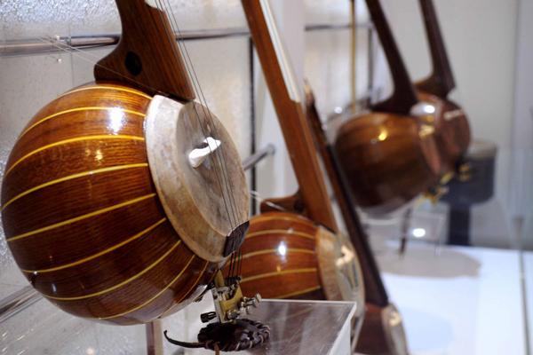 کارخانه آلات موسیقی اصفهان