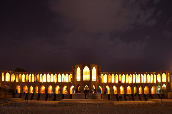 گردش-هوا-در-زیر-پل-خواجو اصفهان