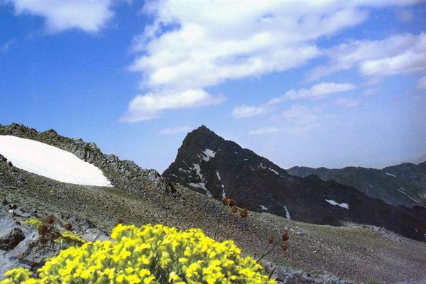 آثار تاریخی کوهستان الوند در همدان