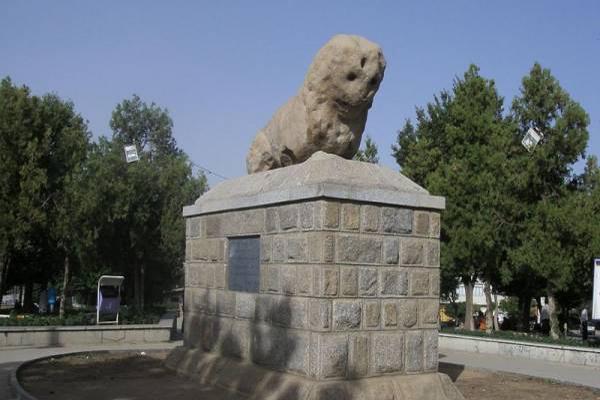 تاریخچه ی شیر سنگی همدان