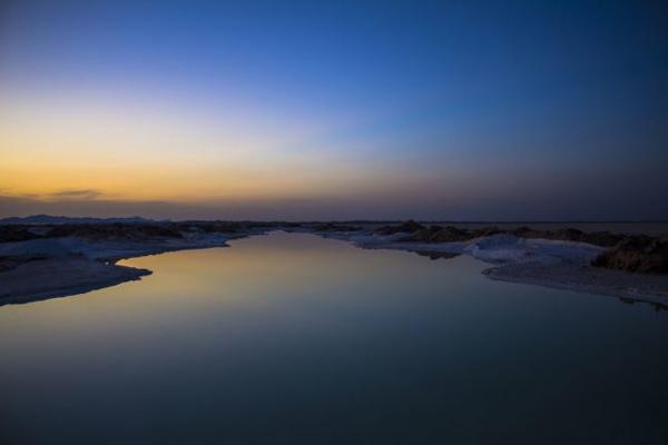 دریاچه-نمک-خارا ورزنه