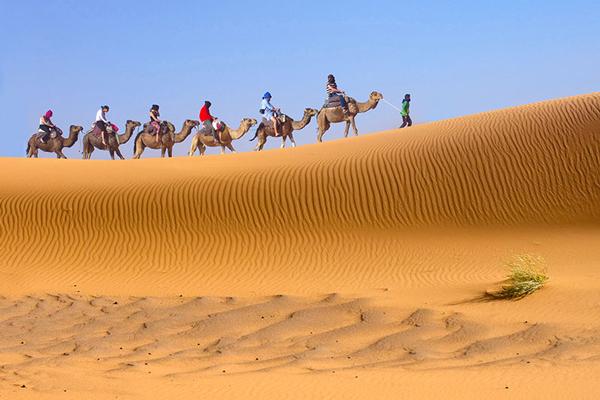 در-کویر-مصر اصفهان-چه-باید-کرد
