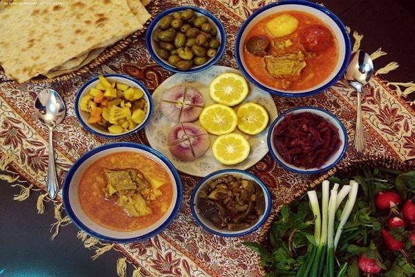 رستوران های نزدیک به آرامگاه عارف قزوینی در همدان