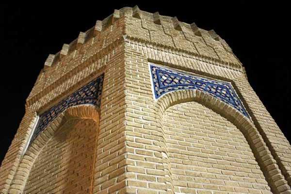 آشنایی با معماری آرامگاه حیقوق نبی