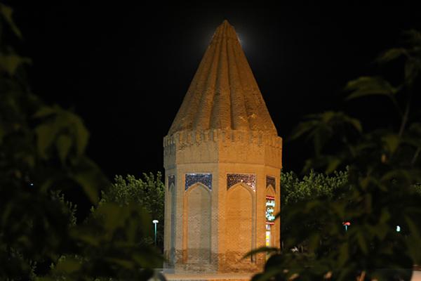 موقعیت مکانی آرامگاه حیقوق نبی در همدان