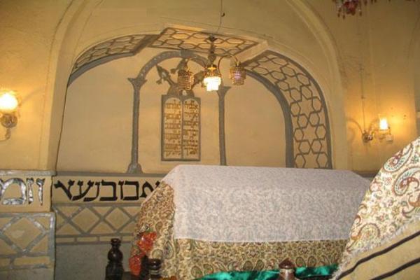 هتل های نزدیک به آرامگاه اِستر و مُرد خای همدان