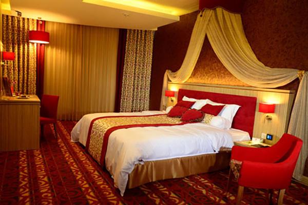 هتل-های-نزدیک-موزه-تاریخ--طبیعی اصفهان