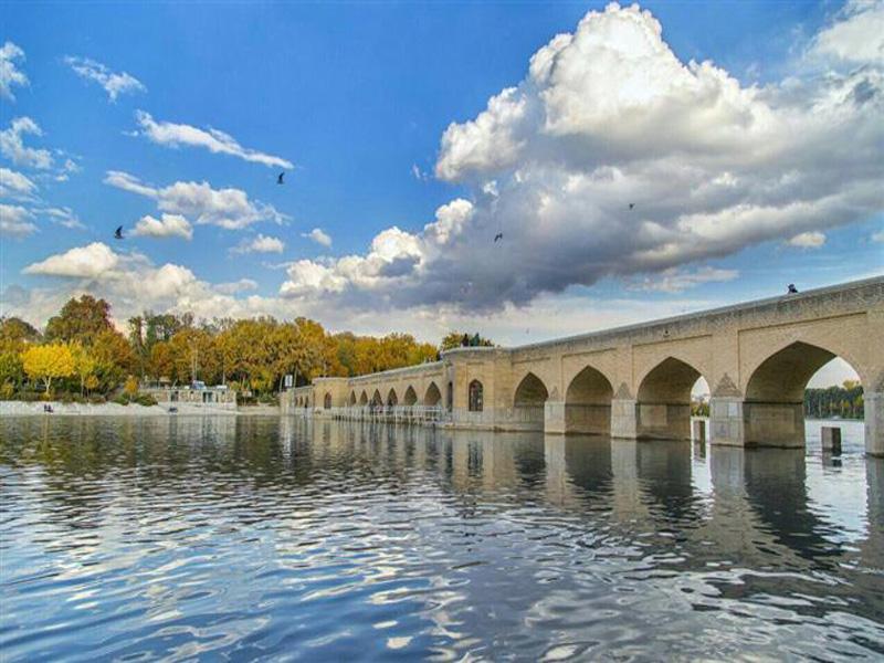 پل-جوییی اصفهان