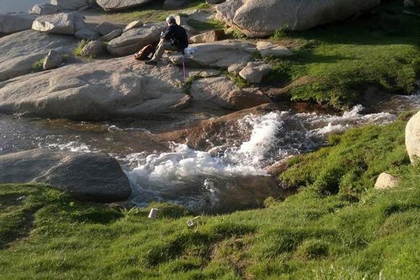 چشمه های کوهستان الوند در همدان
