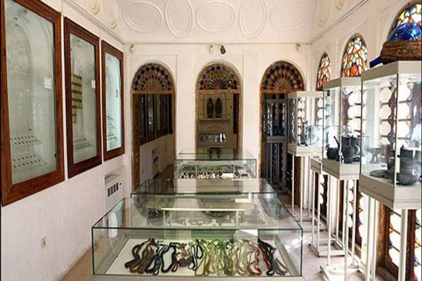 آشنایی با اشیا موجود در موزه حیدرزاده