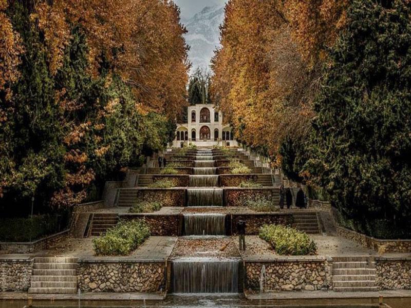 باغ شازده بهشتی در قلب کویر