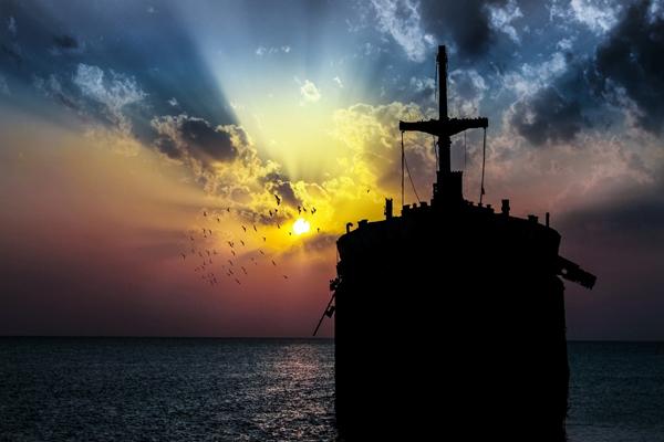 معرفی تفریحات در کنار کشتی یونانی