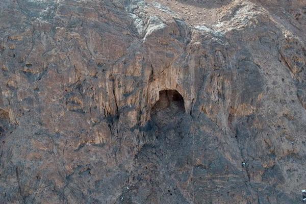آشنایی با راه دسترسی به غار شگفت انگیز یزدان