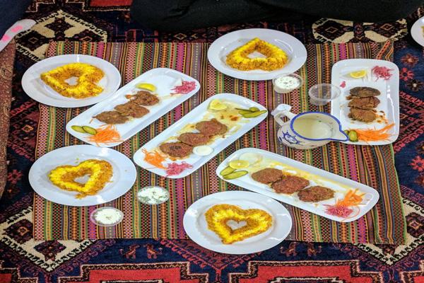 رستوران-های-نزدیک-گنبد-جبلیه کرمان