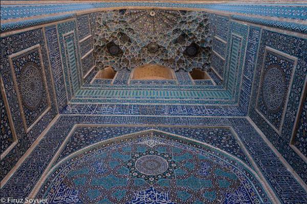 مسجد جامع ؛ مسجدی کعبه شکل در یزد