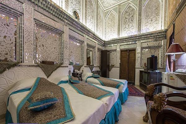 آشنایی با هتل های نزدیک به خانه ملک التجار