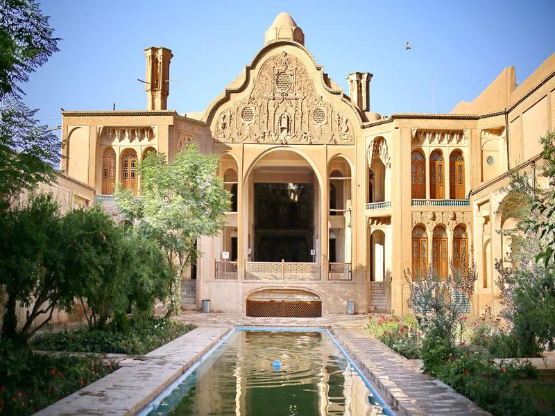 خانه-تاریخی-بروجردی کاشان